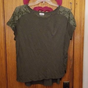 Lace detailed t shirt